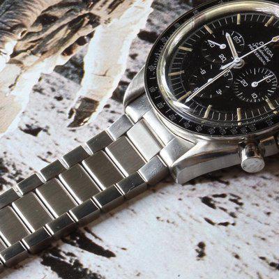 Omega Speedmaster or Seamaster 300 flat-link bracelet NOS